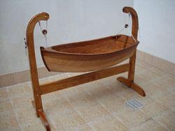 Costruire Una Culla A Dondolo.Culle Barca In Legno Fatte A Mano